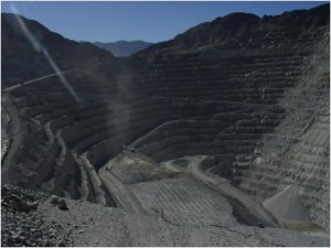 Minera María, open-pit copper mine owned by Grupo Frisco in upper Sonora River basin not far from U.S. border and near Cananea / Photo credit: Soy Cobre.