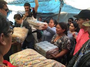 Foto: Janet Martinez, entrega de ayuda humanitaria