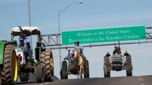 Farmers-on-horseback-and-tractors-position-themselves-on-the-Bridge-of-the-Americas-border-crossing-between-Ciudad-Juarez-Mexico-and-El-Paso-U