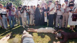 Cuerpos de los sacerdotes jesuitas asesindos en la UCA